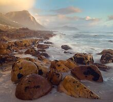 Misty cliffs, Cape Town by hjo52