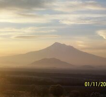 Early Morning Mt.Shasta by holleybear420