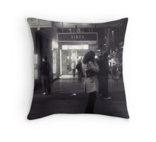 Calling home Throw Pillow