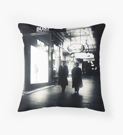 Who's the boss? Throw Pillow