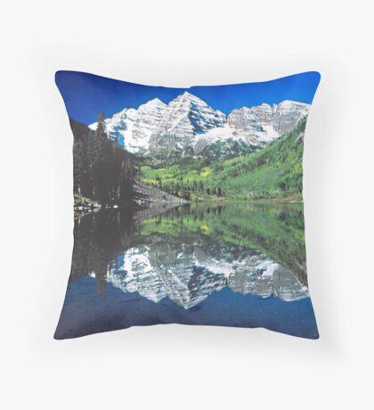 Maroon Bells, Colorado Throw Pillow
