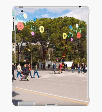 Spring on Dëshmorët e Kombit Boulevard iPad Case/Skin