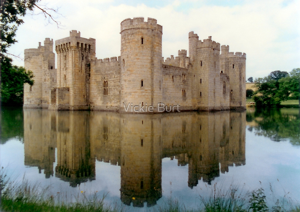 Bodium Castle on a summer's afternoon by Vickie Burt