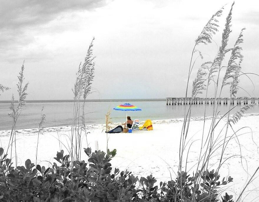Black & white Beach / Jack Boyd by JackBoyd