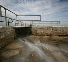 Merewether Baths 6 by Mark Snelson