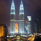 Petronas Towers - night by wyllys