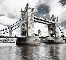 Tower Bridge by oreundici