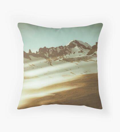 Into the mountains Throw Pillow