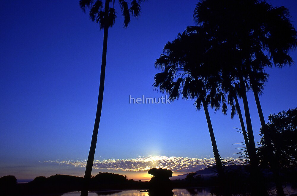 Sunrise in Paradise NT by helmutk