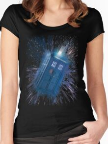 The Doctor's Radiating Tardis Women's Fitted Scoop T-Shirt