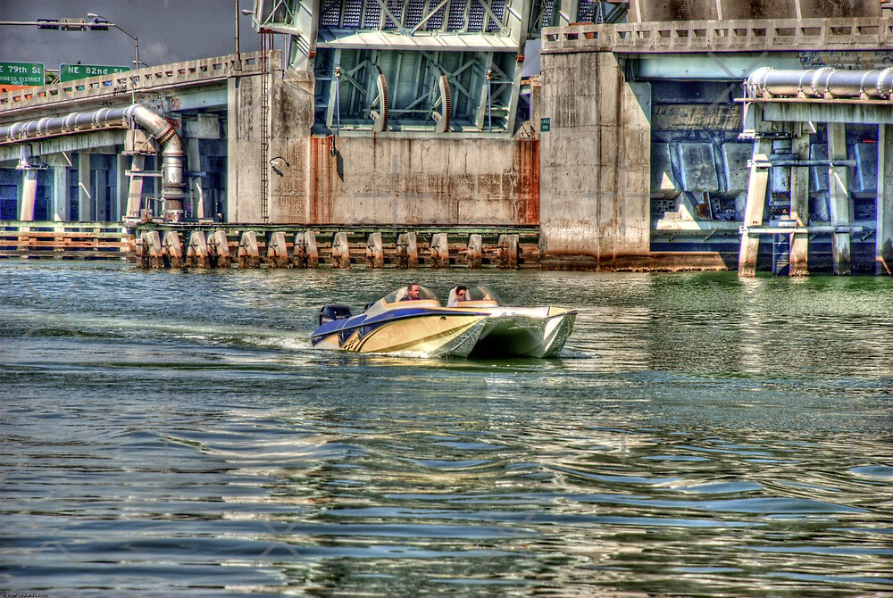 Speedboat  Approaches by photorolandi