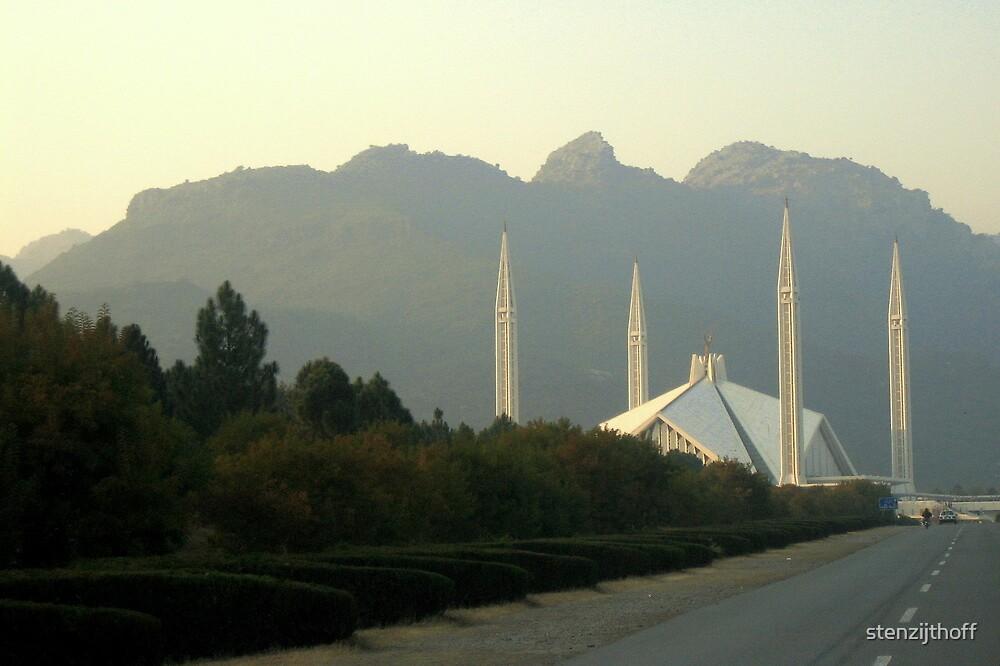 Faisal Mosque by stenzijthoff