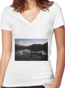 Ullswater Women's Fitted V-Neck T-Shirt