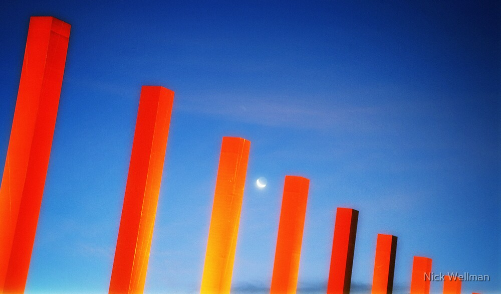 Melbourne Moon by wellman
