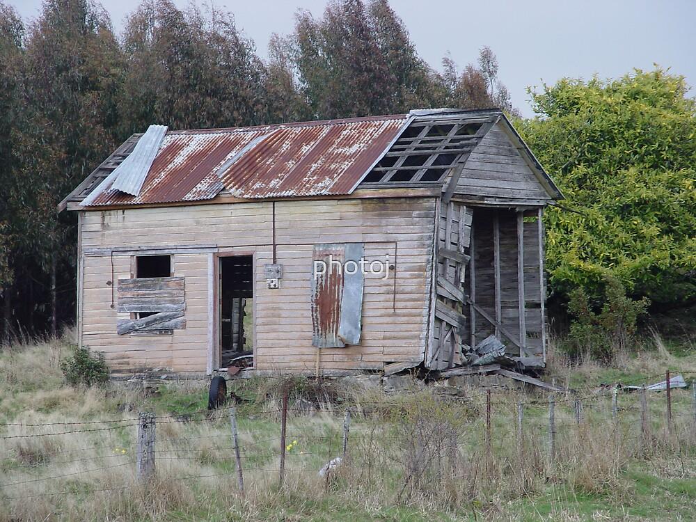 photoj Australia-Tas old homestead by photoj
