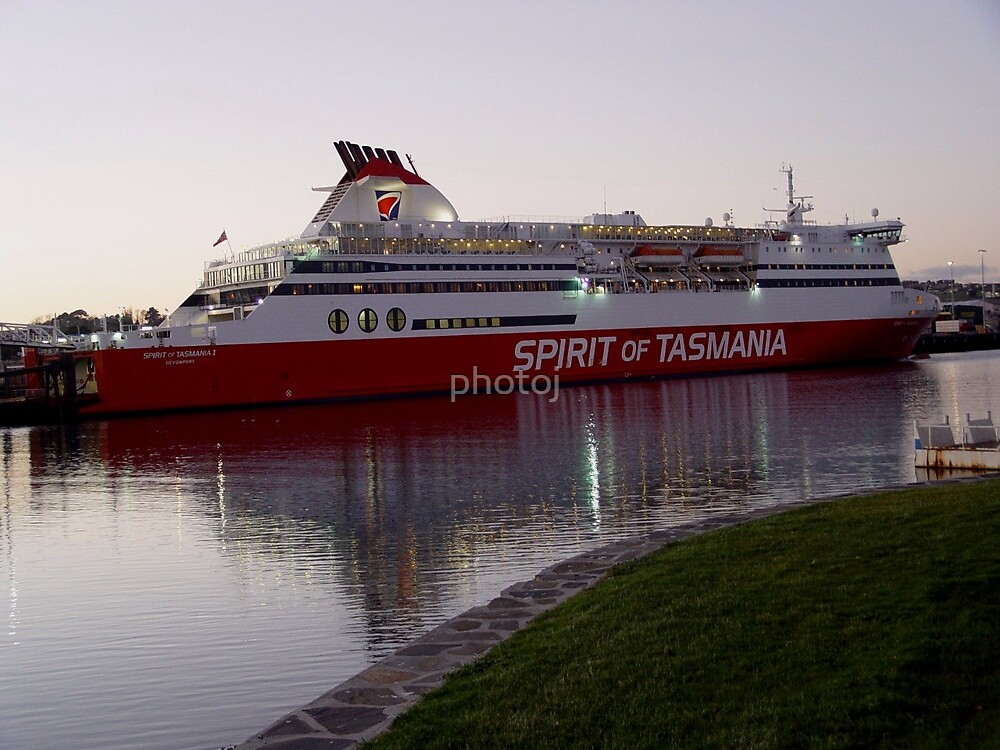 australi-tasmania 'spirit ferry' by photoj