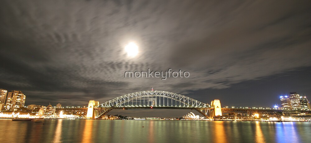 Sydney Moon by monkeyfoto