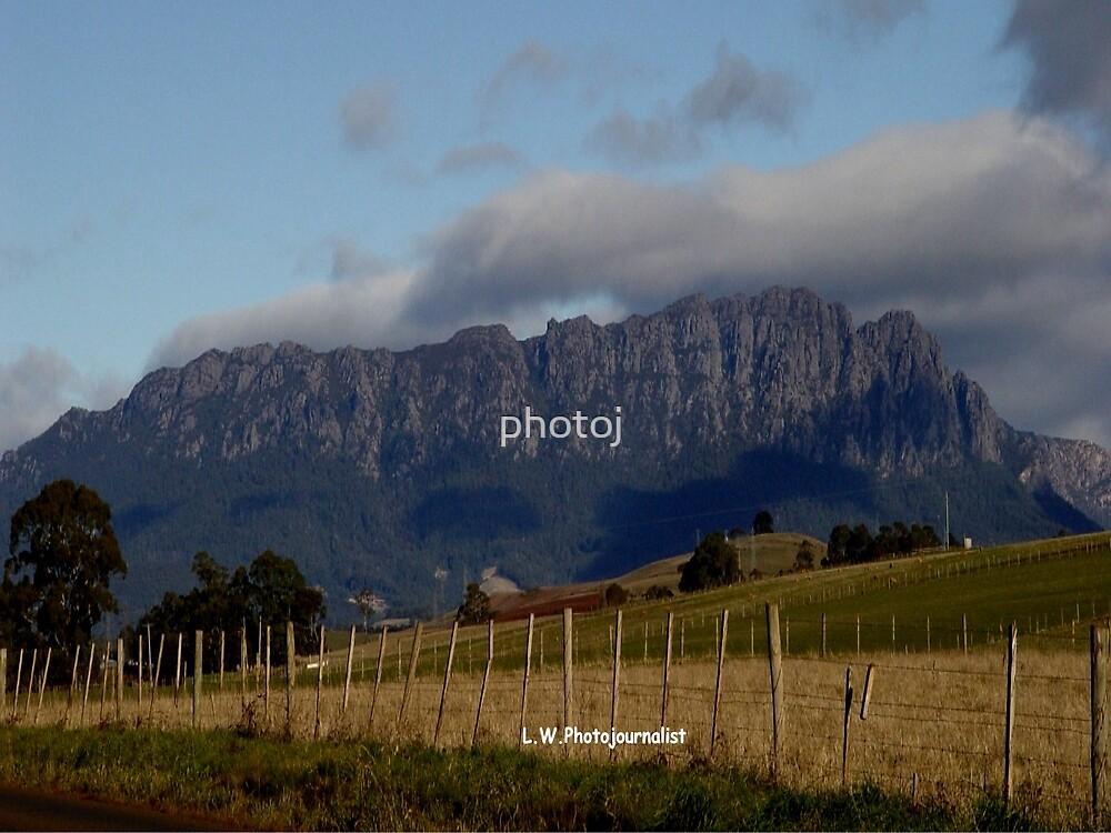 Australia - Tasmania Mt Roland by photoj