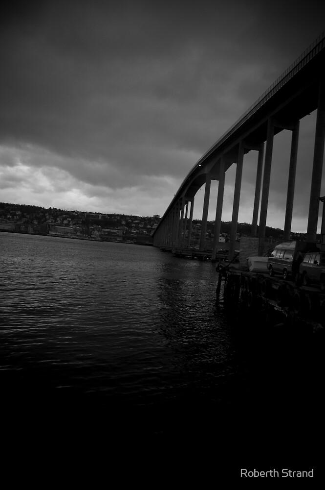 The Tromsø bridge by Roberth Strand