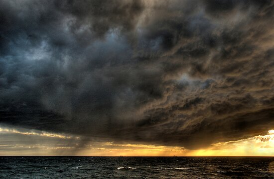 Approaching storm by Peter Hammer