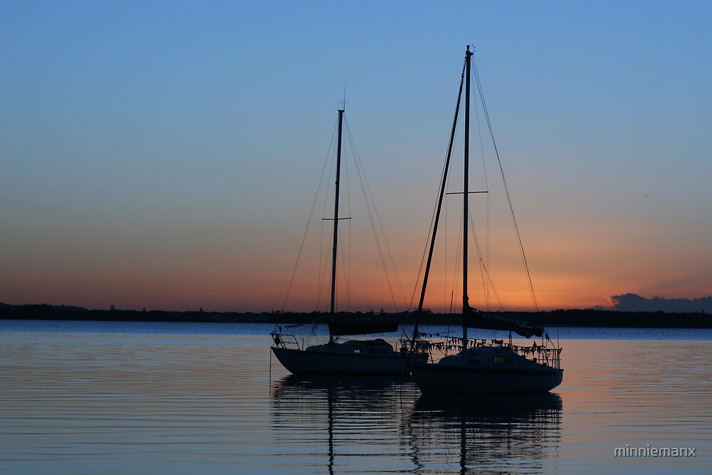 Sunrise over Lake Macquarie by minniemanx