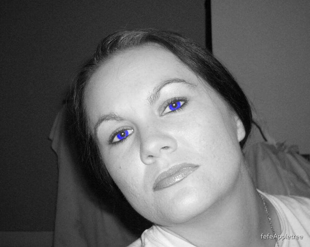 Blue eyes by fefeAppletree
