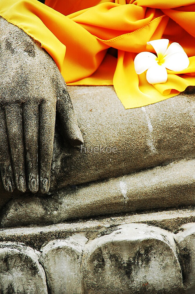 image of Buddha at Ayudthaya by huekoe
