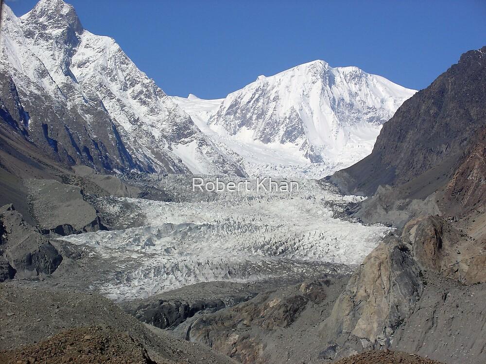 Pasu Glacier by Robert Khan
