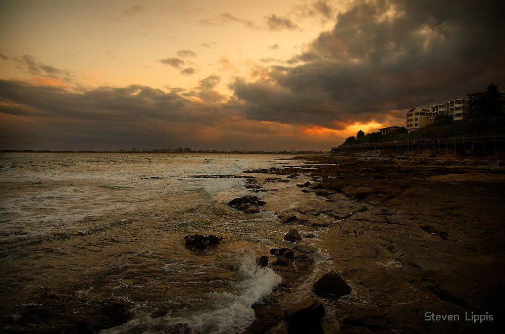 Caloundra Sunset by Steven  Lippis