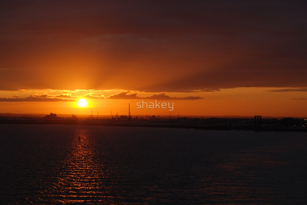 Hull sunset by shakey