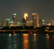 Minneapolis Skyline by sara montour