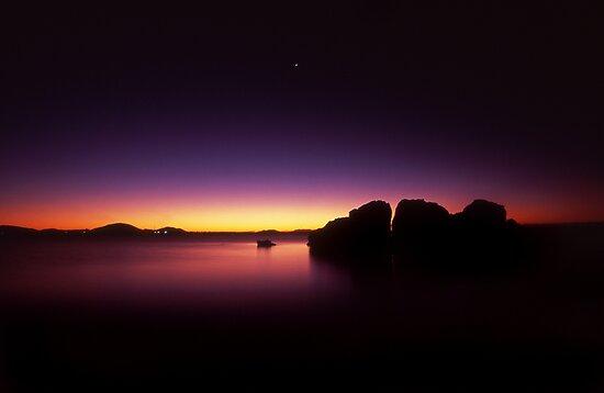 last light - Nth Qld by Tony Middleton