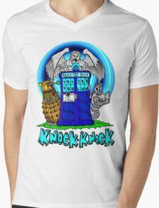 Doctor Who Knock Knock on the Tardis Mens V-Neck T-Shirt