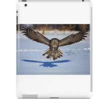 In your face - Great Grey Owl iPad Case/Skin