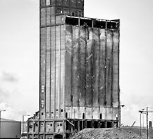 Grain Silo, Belfast Docks by stepbar