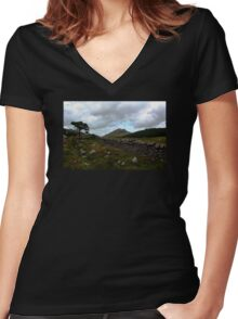 Mourne Country View Women's Fitted V-Neck T-Shirt