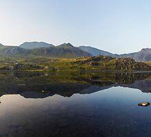 Llyn Ogwen Panorama by Ian Mitchell