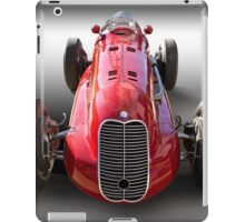1939 Maserati 8CTF Race Car I iPad Case/Skin