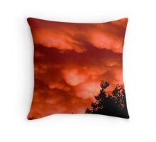broken Mammatus at sunset Throw Pillow