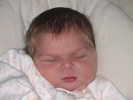 Aliana Sleeping  by alin