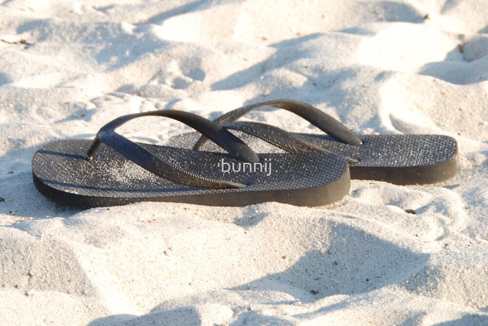 Flip Flops by bunnij