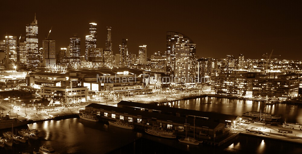 Melbourne City by Michael  Bermingham