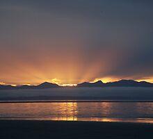 Tahuna Beach by Mark Williamson