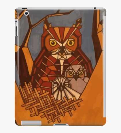Great horned owl and babies iPad Case/Skin