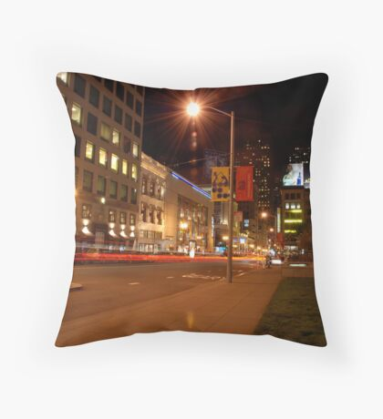 union square @ night Throw Pillow