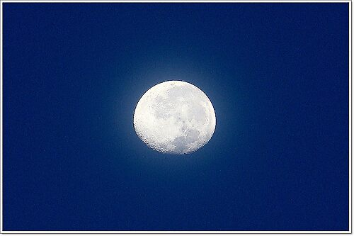 morning moon by Jelynn