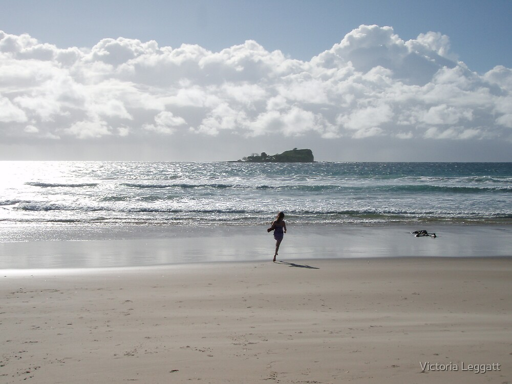 Silver morning Mudjimba Beach by Victoria Leggatt