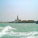 VENEZIA E LA SUA TOWERS e le sue onde......ITALY - EUROPA- 1000 visualizzaz dicembre 2012. VETRINA RB EXPLORE 9 GENNAIO 2013 - by Guendalyn