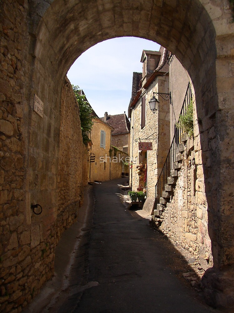 Limeuil Arch by shakey