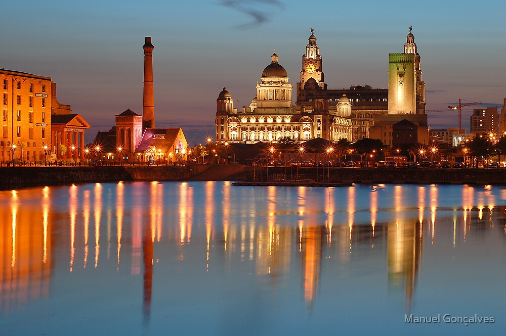 Albert Dock at night - Liverpool by Manuel Gonçalves